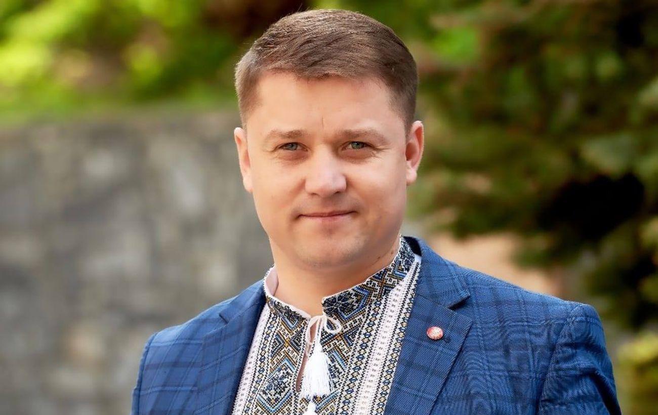 """""""Упакуем в автобус и вывезем"""", - мэр Ровно попал в скандал заявлением о ромах"""