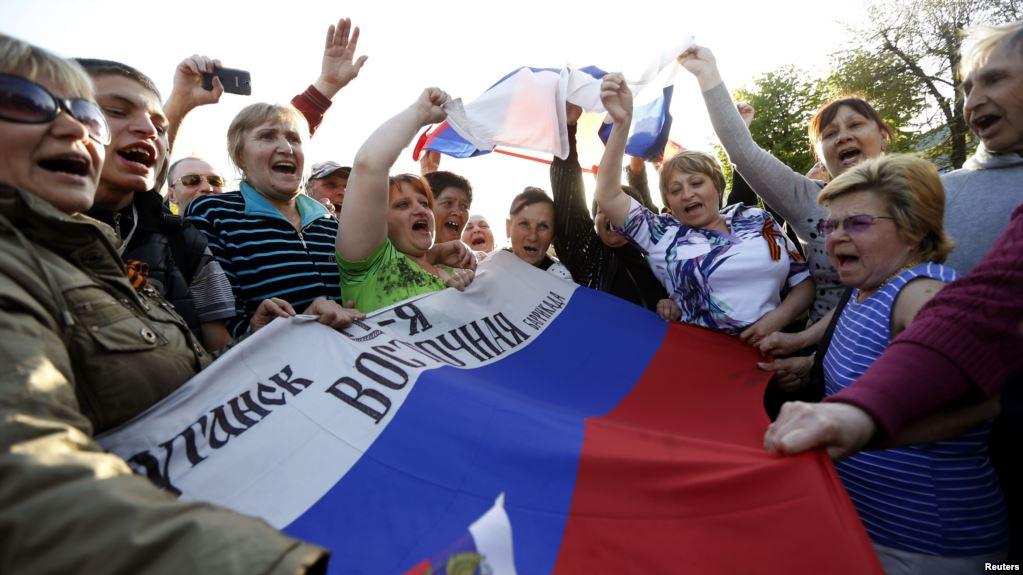 """""""Им это не нужно"""", - луганчанка назвала причину, почему в """"ЛНР"""" не хотят окончания войны на Донбассе"""