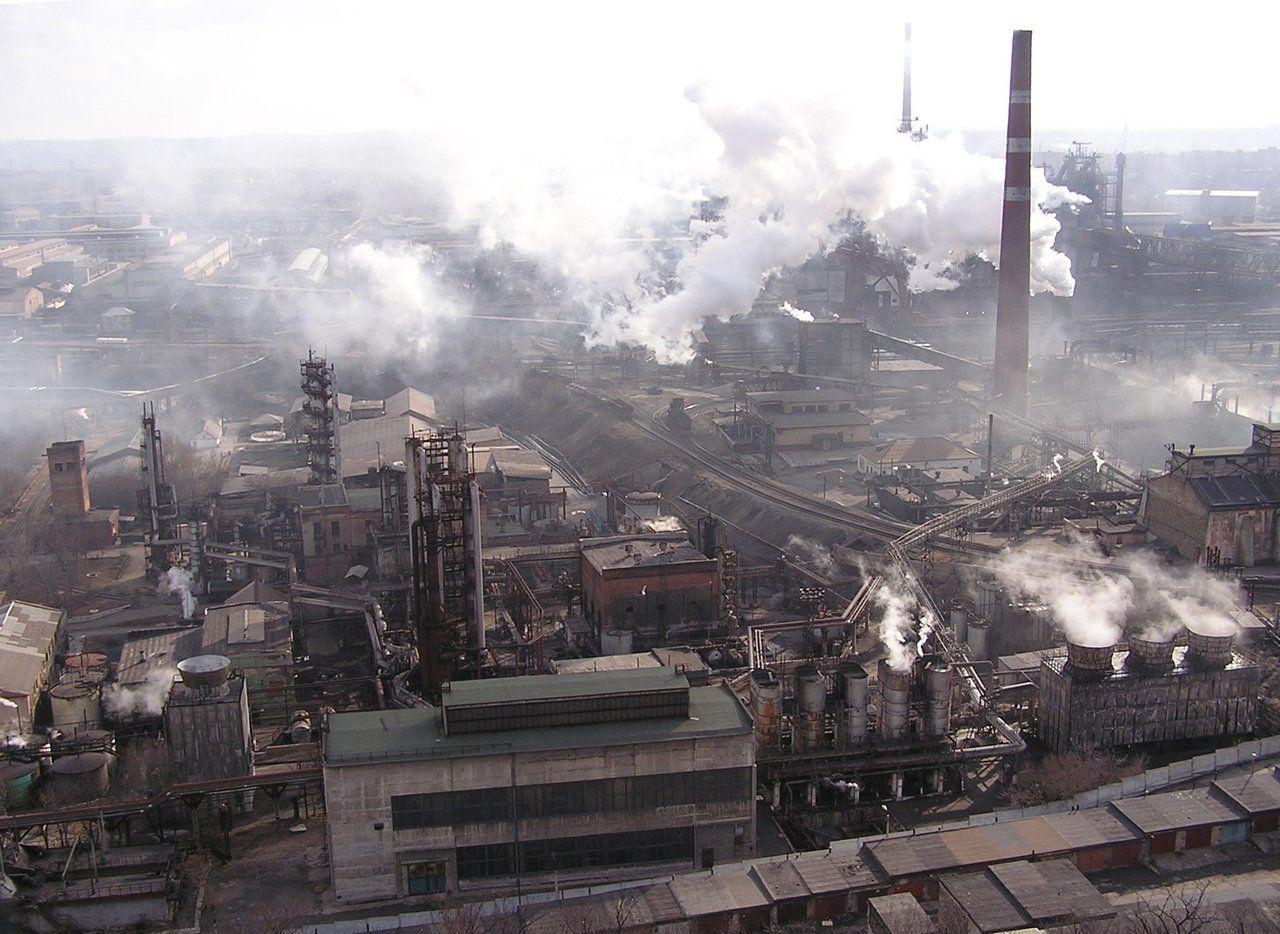"""""""Творится полный капец и разруха"""", – источник рассказал о ситуации на заводах ОРДЛО"""