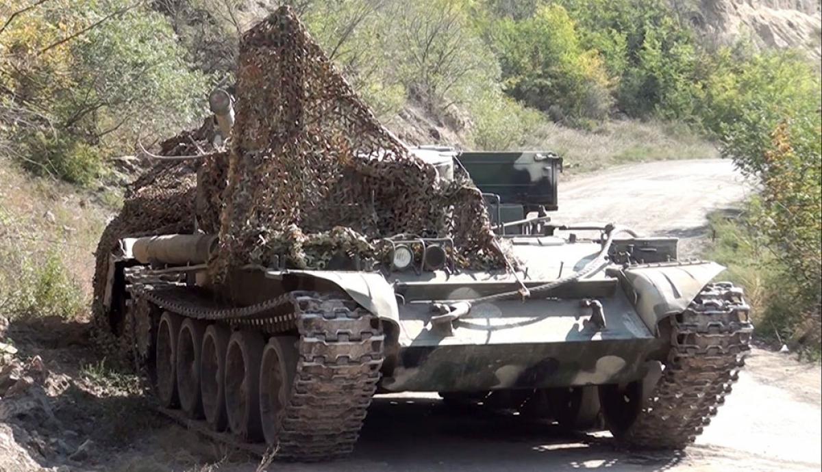 Бои в Нагорном Карабахе: армяне, испугавшись, бросили технику и боеприпасы под Губадлы, видео
