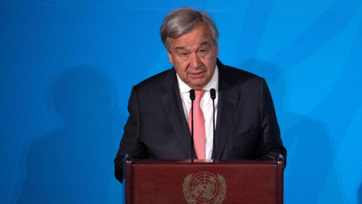 """""""Человечество стоит на краю пропасти"""", - Генсек ООН предупредил о новой глобальной катастрофе"""
