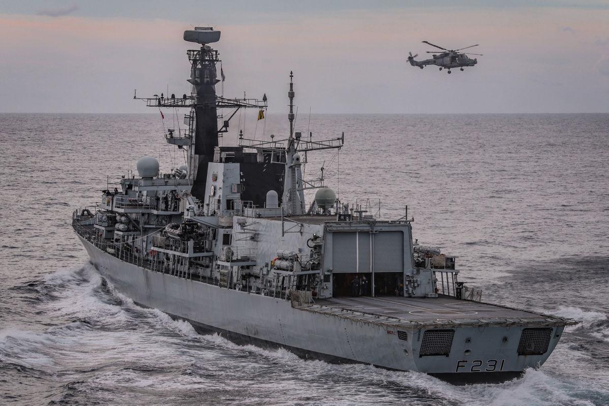 """Корабли Британии с НАТО отработали перехват """"ракет Путина"""" у берегов Шотландии и Норвегии"""