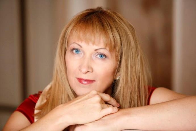"""""""Я родилась в Донецке, и я украинка"""", - писательница Роздобудько, молчавшая целый год, сделала заявление об украинском языке"""
