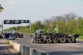 Из Краматорска вывезли сотни тонн мусора и три тысячи покрышек с баррикад