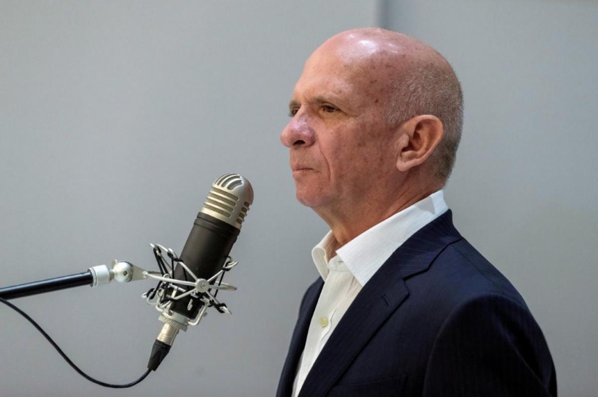 Экс-глава военной разведки Венесуэлы Уго Карвахаль обсуждает вопрос о сдаче властям США ради сделки