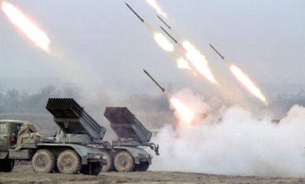 Российско-оккупационные войска ожесточенно били по Красногоровке и Водяному из ракетных комплексов, минометов и танков