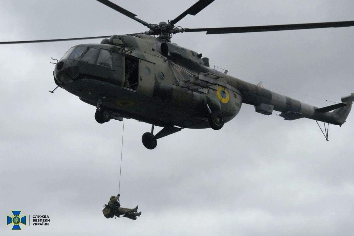 СБУ начала маневры с авиацией и бронетехникой у Крыма - вторжение будет остановлено
