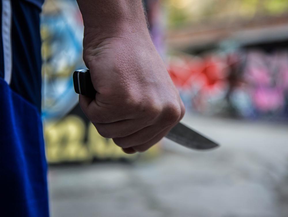 """Заступились, но получили удары ножом: в Одессе мужчина подрезал двоих """"защитников"""" в магазине"""