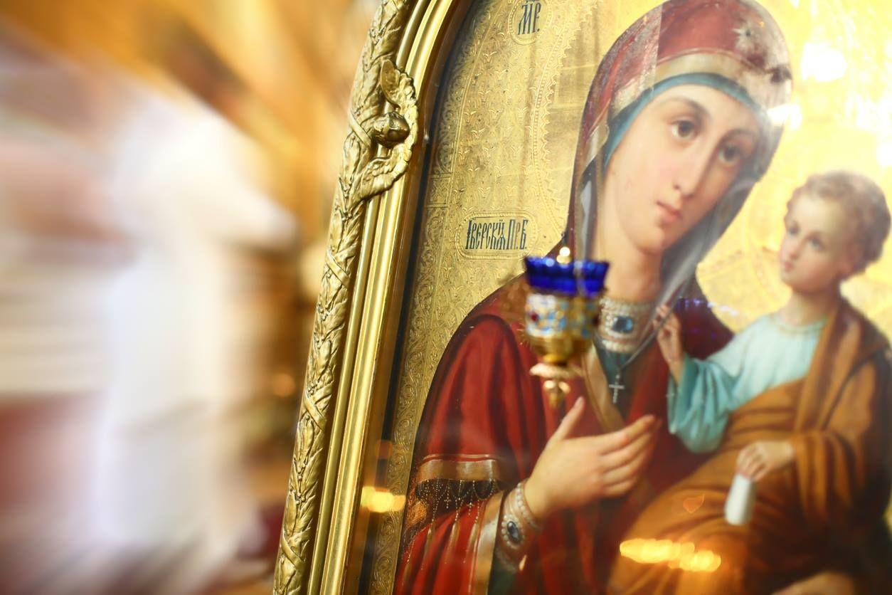 Рождество Пресвятой Богородицы 21 сентября: главные запреты и приметы праздника