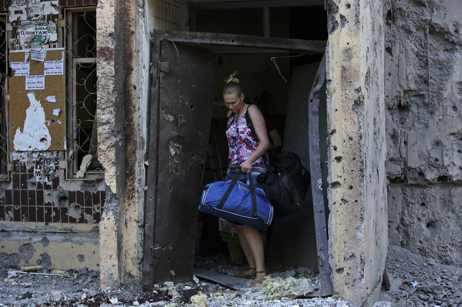 Неутешительные результаты опроса: луганские и донецкие переселенцы признались, что распрощались с мечтой вернуться домой