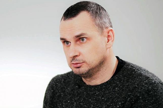 """Сенцов про скандал вокруг партии """"Слуга народа"""": """"Это шоу абсурда"""""""