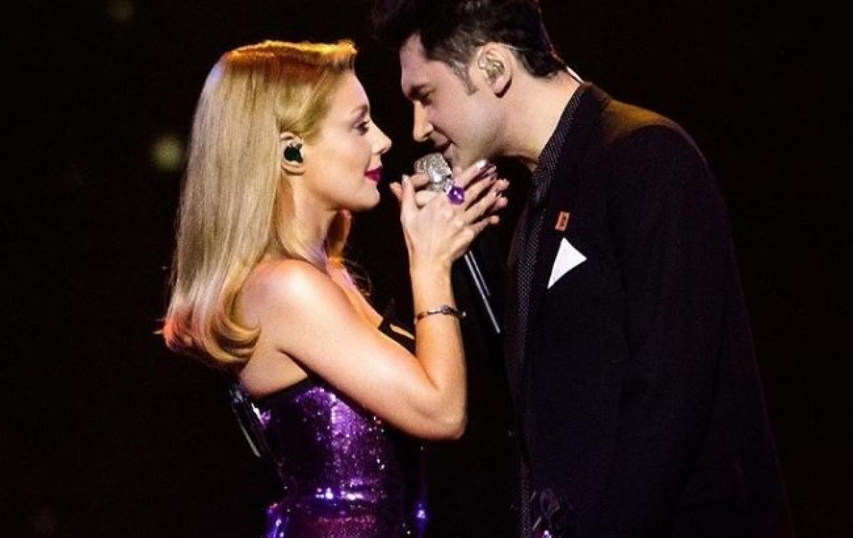 Тина Кароль и Дан Балан показали любовь и страсть за белым роялем со свечами