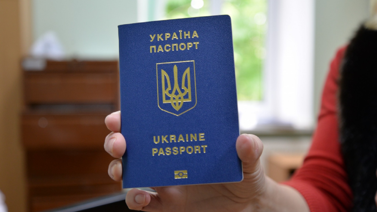Жители Крыма не могут восстановить украинские паспорта из-за ограничений, введенных Россией