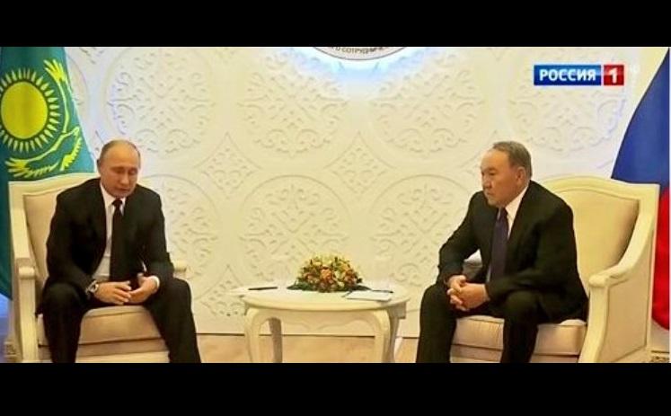 Фото Путина на встрече с Назарбаевым в Казахстане взорвало Сеть: президент РФ поразил соцсети диким ляпом