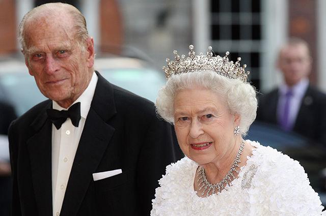 Мужу королевы Великобритании принцу Филиппу провели срочную операцию на сердце