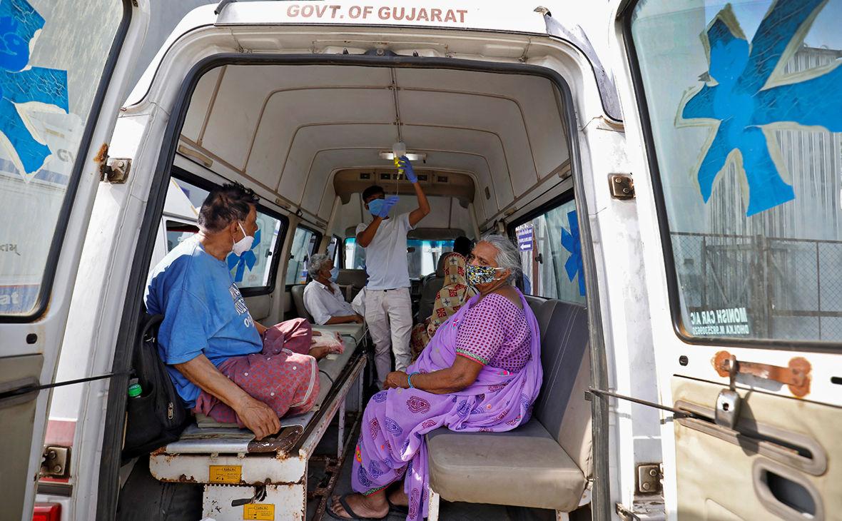 Черная плесень: в Индии на фоне обострения коронавируса объявили эпидемию новой болезни