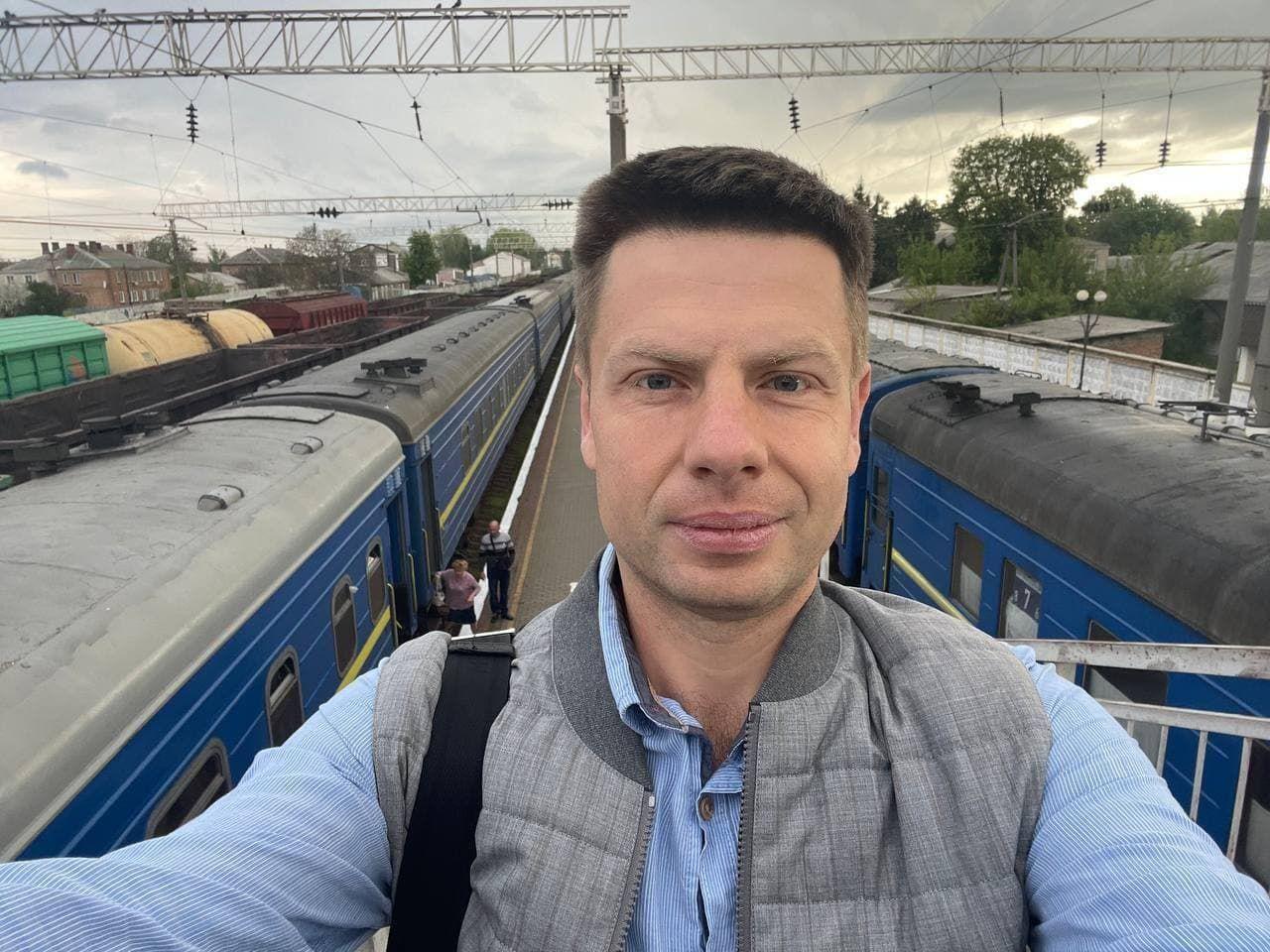 Воры обокрали Гончаренко в поезде Одесса – Ковель: украдены 20 000 грн, сумка с деньгами и банковские карты