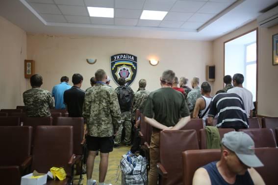 В Киеве задержали проплаченных активистов, выдававших себя за ветеранов АТО - кадры