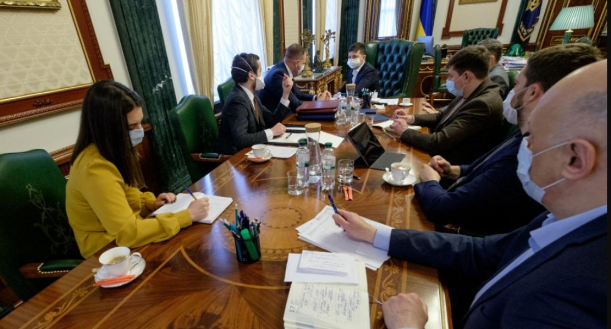 В Украине усиливают карантин: Зеленский выступили с предупреждением накануне Пасхи