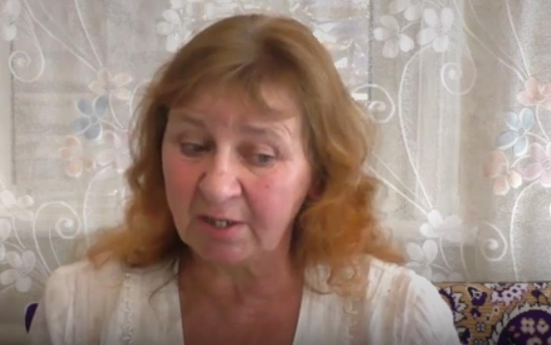 """""""Придет сын - забудем все эти неурядицы и будем смеяться!"""" - циничное заявление матери пленного боевика """"ДНР"""""""
