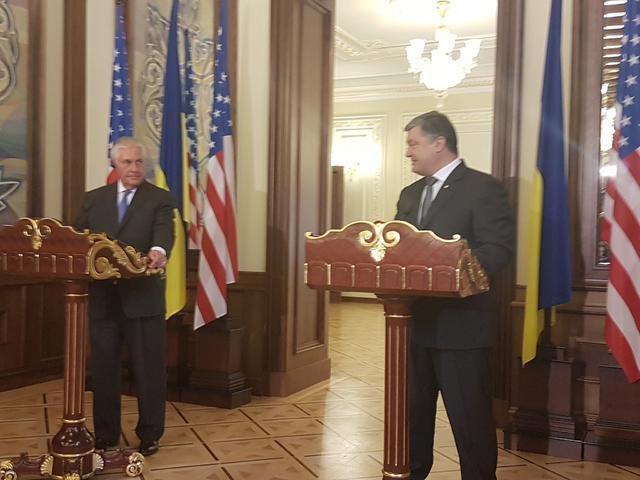 Порошенко назвал ряд условий, которые должна выполнить Россия для урегулирования вооруженного конфликта на Донбассе