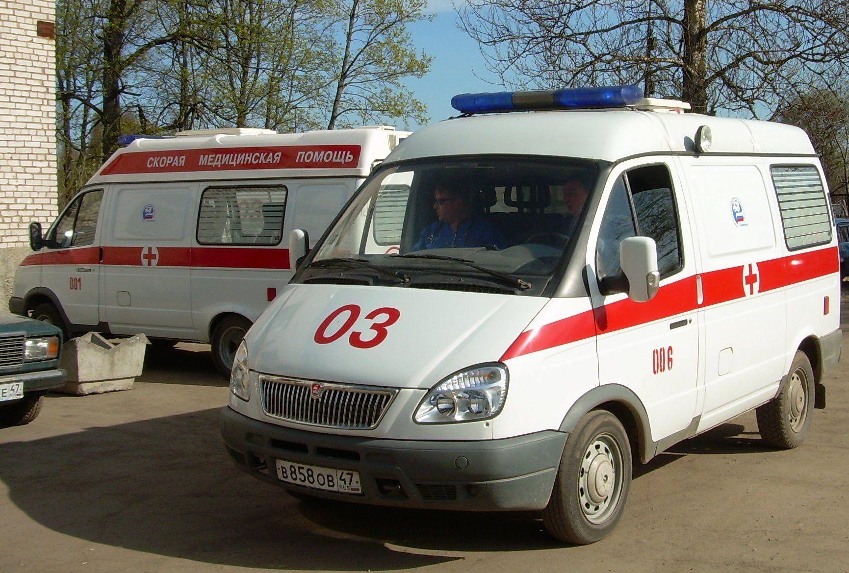 В Донецке снаряд упал возле школы, пострадали дети