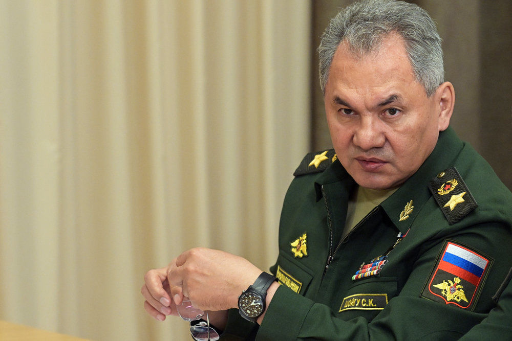 Бряцание оружием у Украины, Курил и Камчатки - свидетельство ослабления Путина, Шойгу приступил к раскрутке