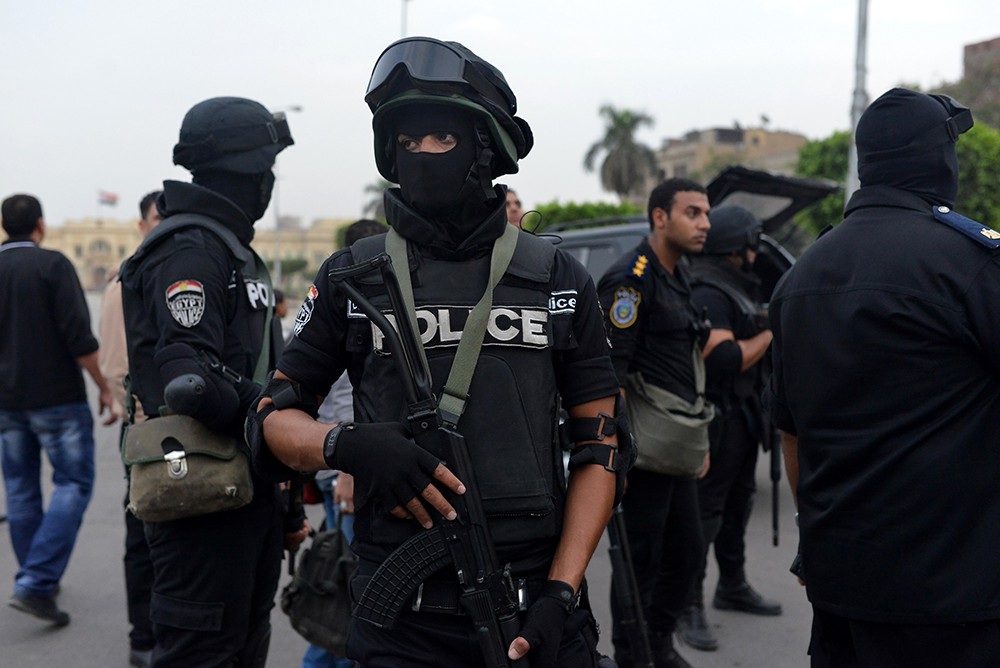 Страшный теракт в Египте: смертник взорвал бомбу возле блокпоста полиции, 13 человек погибли