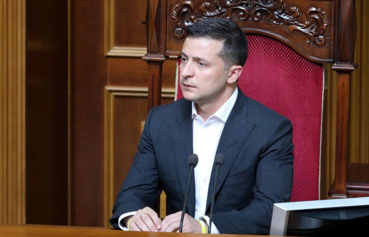 Зеленский может объявить о громкой отставке на внеочередном заседании Рады уже в январе: кого уволят