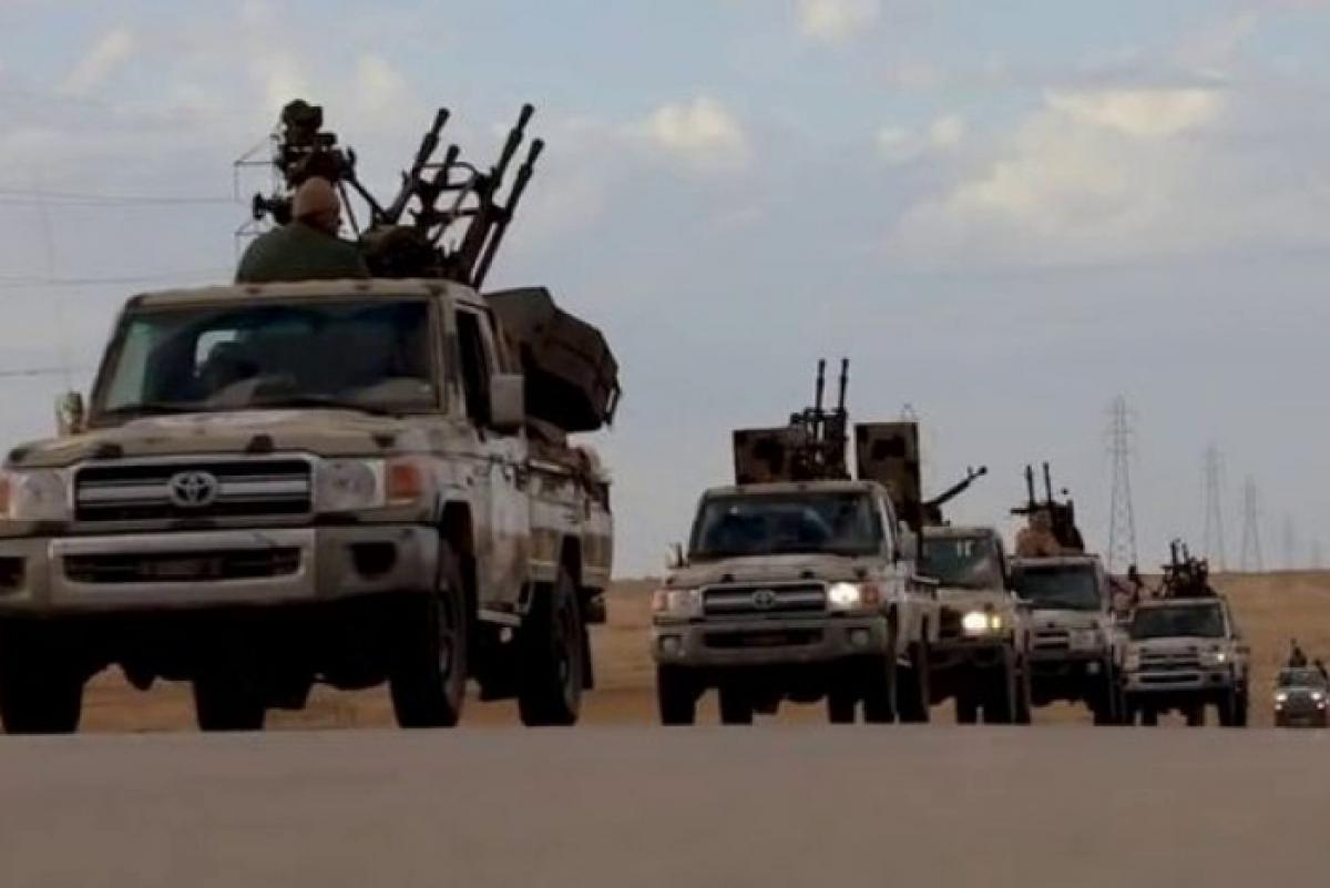 """Решающий штурм: в Ливии войска ПНС при поддержке Турции выбивают """"друга РФ"""" Хафтара из аэропорта Триполи"""