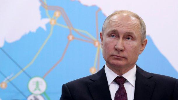 Путина засмеяли в Сети за личную жизнь: пропагандист Смирнов в очередной раз подставил главу России
