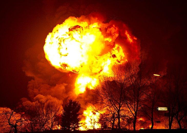 На Закарпатье масштабный пожар уничтожил целый туркомплекс, есть жертвы среди населения