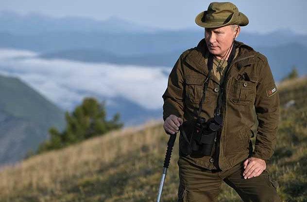 Путин громко опозорился с импортозамещением: на президенте РФ опознали американский бренд