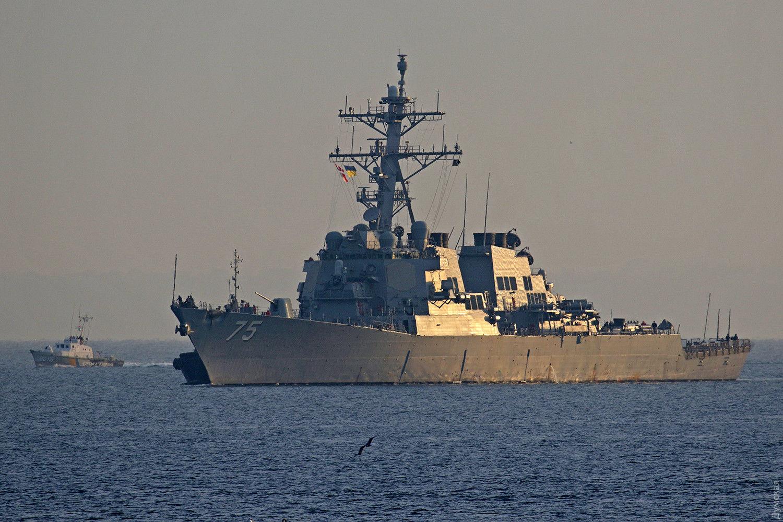 Корабль ВМФ РФ устроил провокацию у берегов Украины - катеру ВМС Украины с американцами пришлось менять курс