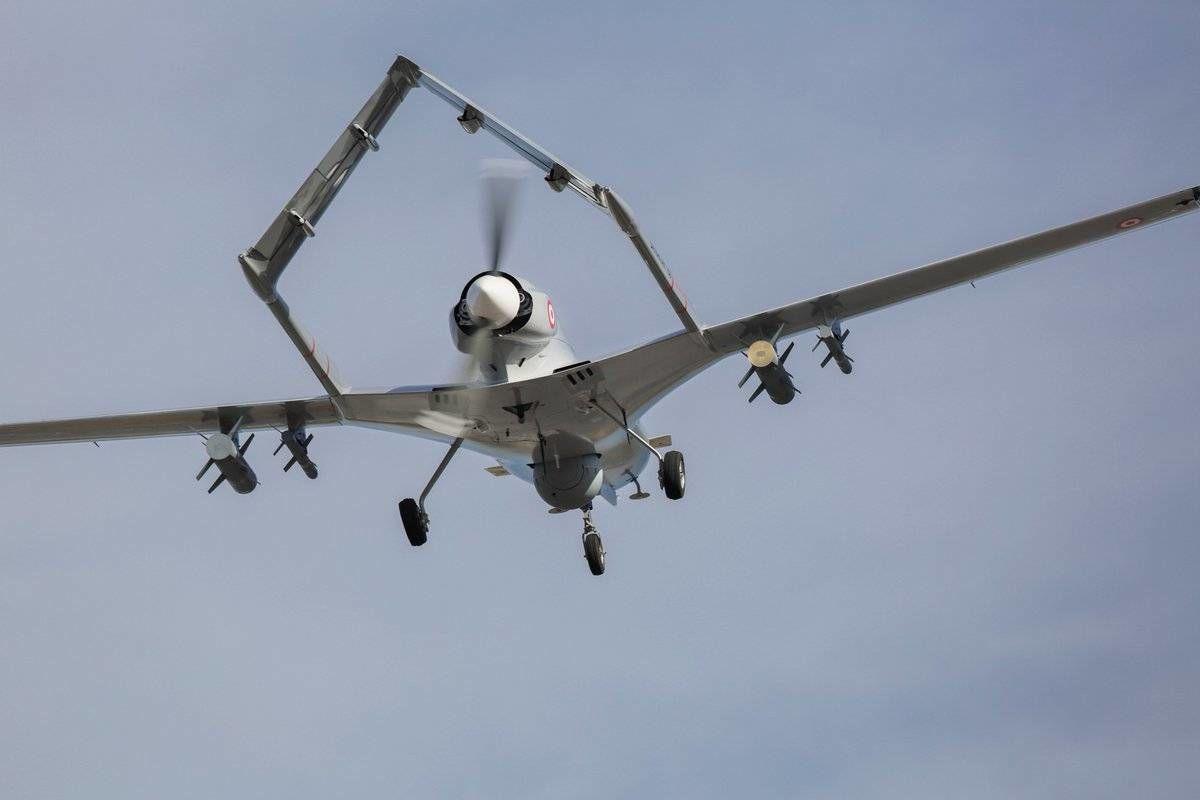 """Польша закупает партию турецких ударных дронов Bayraktar TB2: """"Проверенное оружие отпугнет агрессора"""""""