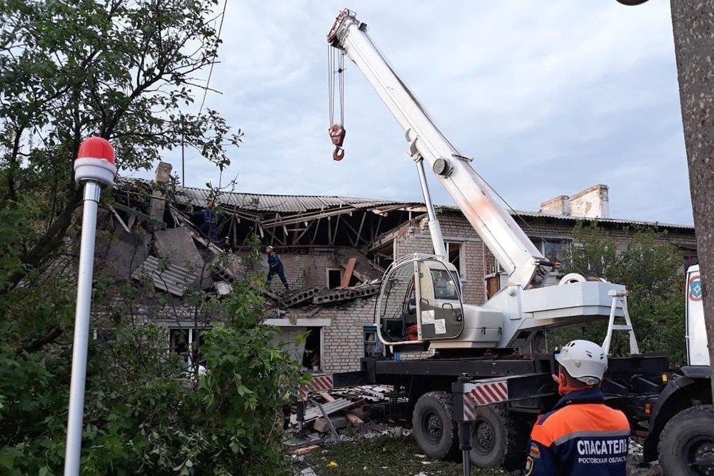 В Ростовской области прогремел мощный взрыв: масштабные разрушения, погибшие и раненые – кадры