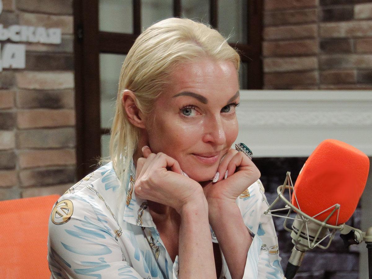 """""""Настя, ну Вы даете"""": Волочкова показала свою фирменную фишку и """"попружинила"""" ягодицами"""