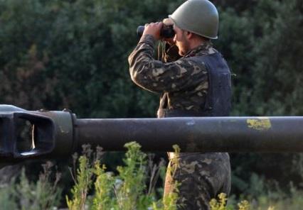 СМИ: Две коллоны повстанцев с бронетехникой собираются идти в сторону Луганска