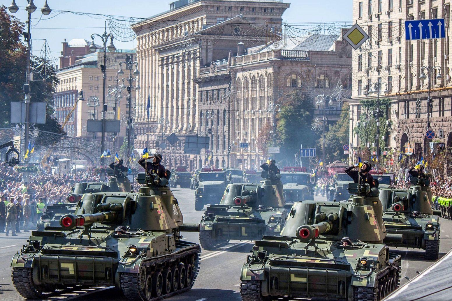 Без пехоты, но с танками: ВСУ провели репетицию парада ко Дню независимости