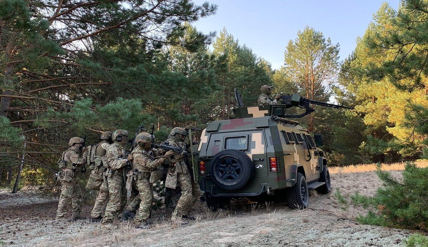 """На Ровенщине """"предотвратили детонацию"""" и ловили """"диверсантов"""" - СБУ готовится к подрывам на границе с Беларусью"""