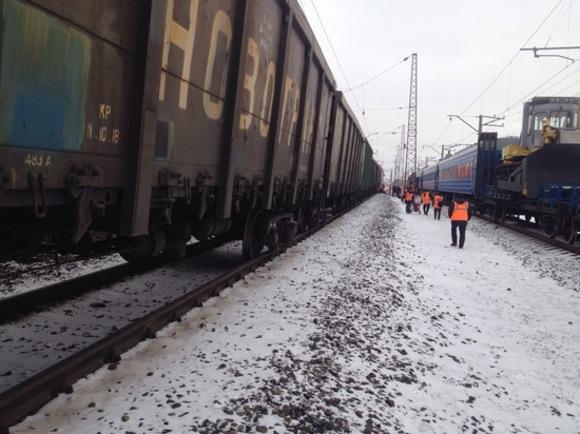 Роковые события в РФ продолжаются: в Амурской области произошла страшная авария, 21 вагон грузового поезда сошел с рельс