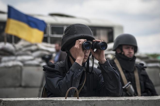 Боевики обстреляли силы АТО у Новотроицкого и в Марьинке