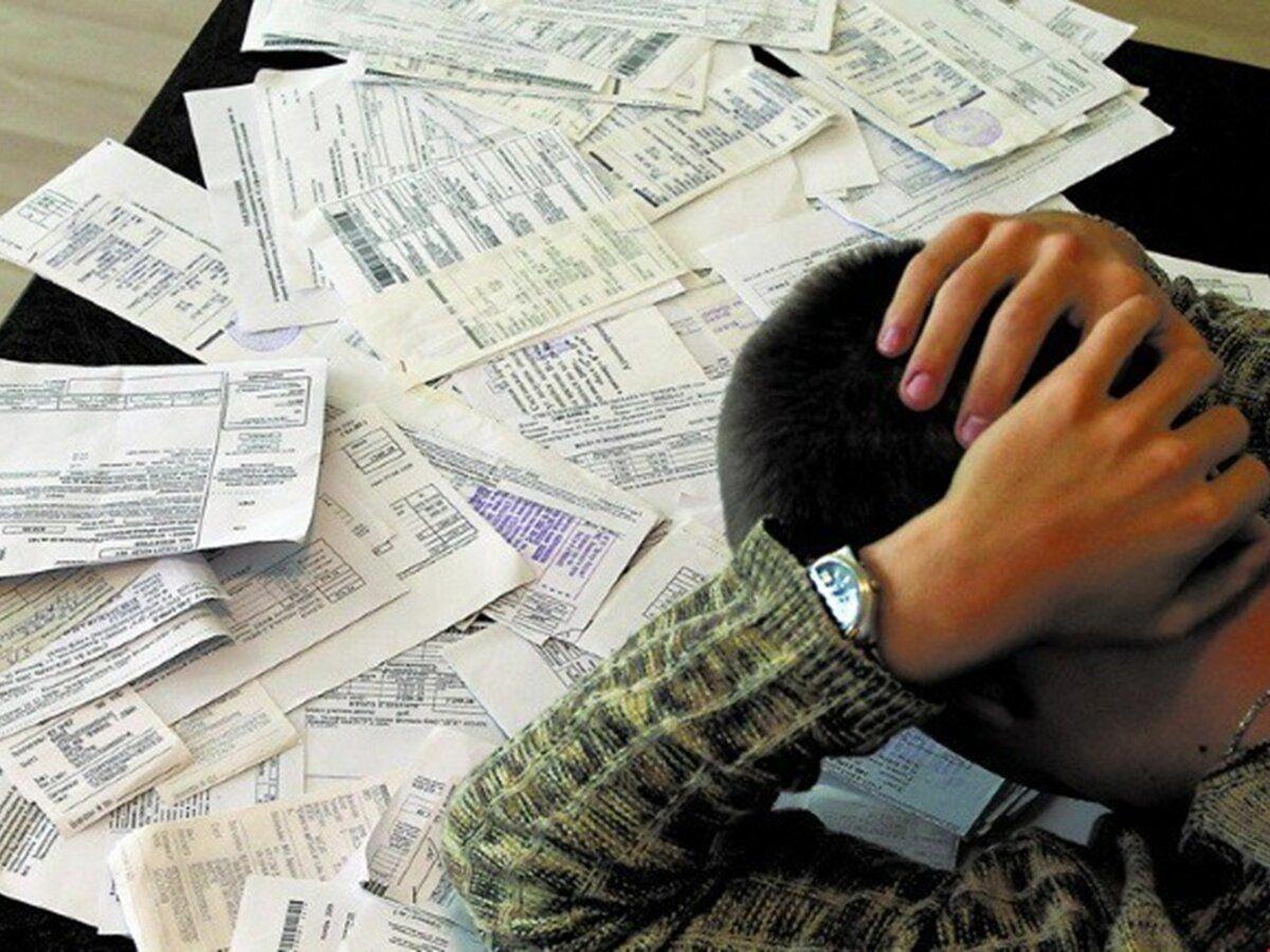 Долги за коммуналку в Украине растут: юрист пояснил, будут ли отбирать квартиры