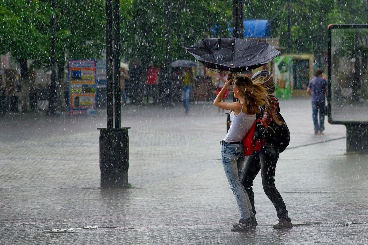Циклон прогонит жару: синоптик сказала, к какой погоде готовиться Украине с понедельника