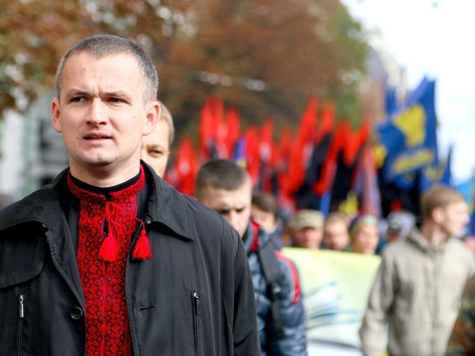 """""""Я бы сжег этот Парламент!"""" - свободовец Левченко бросил дымовую шашку в Верховной Раде, когда там на экскурсии были школьники"""