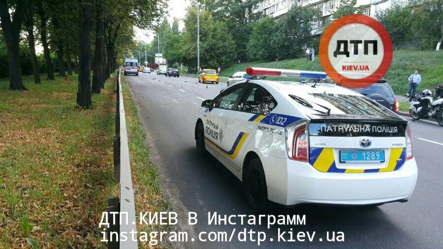 Части тел погибших были разбросаны в радиусе 100 метров: в Киеве произошло жуткое  ДТП - кадры