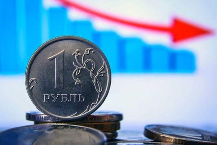 """В России упали РТС и рубль после того, как Байден пообещал Путину """"расплату"""""""