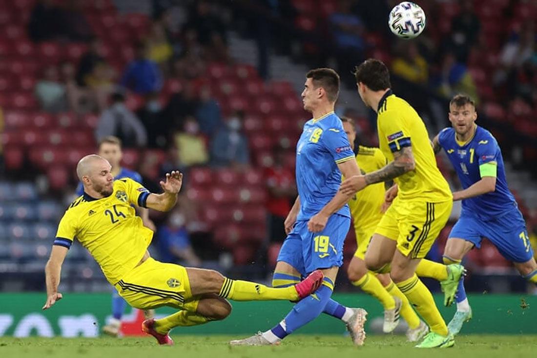 """Защитник сборной Швеции рассказал о поступке после травмирования Беседина: """"Это было заслуженно"""""""