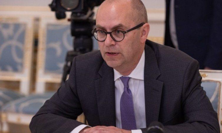 Миссия МВФ, не достигнув договоренностей, уехала из Украины из-за Коломойского и рынка земли - СМИ