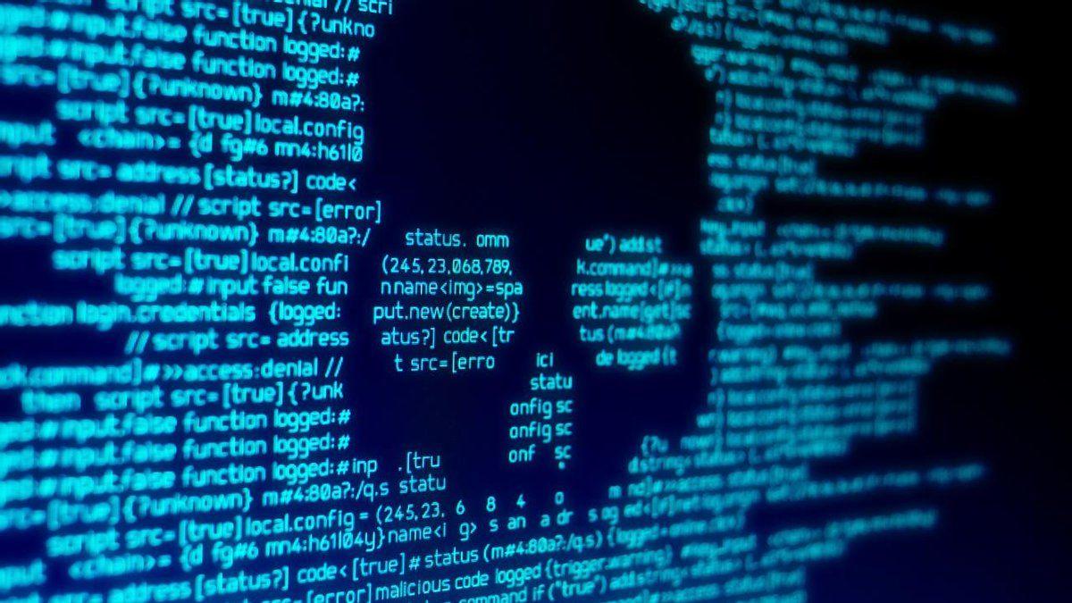 """""""Россия ударила кибератакой"""", – в СНБО пояснили, как Кремль ответил на санкции против Медведчука"""
